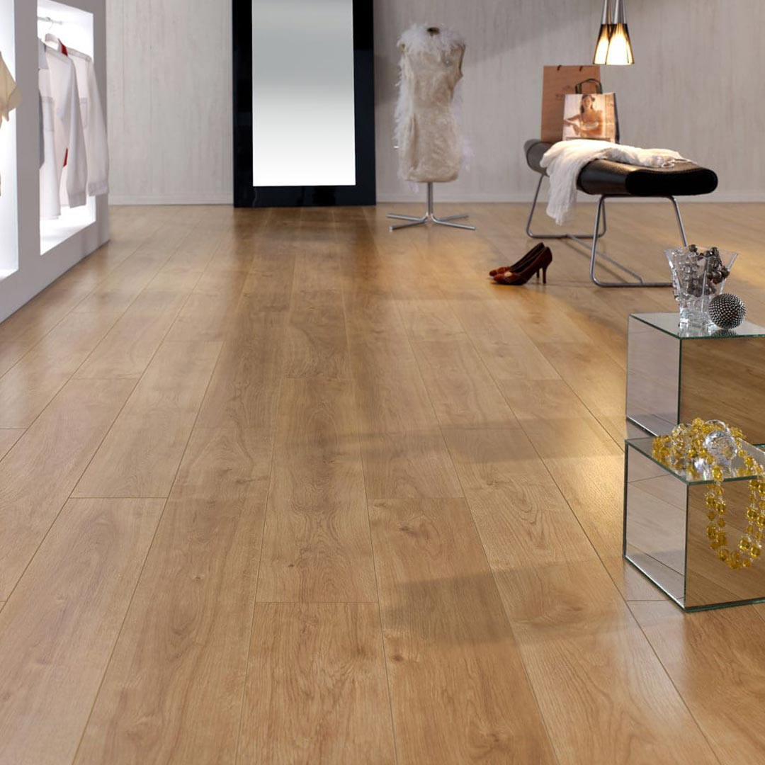 Retro oak finfloor 12 laminate flooring finsahome - What is laminate flooring ...